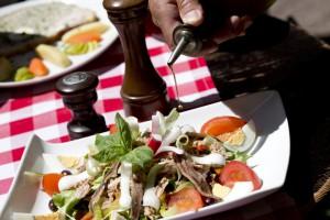 Salade Niçoise, cuisine nissarde