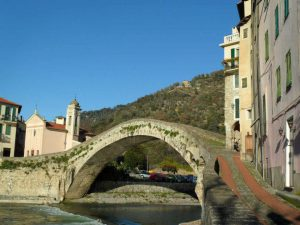 Village Dolceaqua, Ligurie visite guidée art and tours