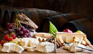 Dégustation accord vins et fromages, vite privée art and tours
